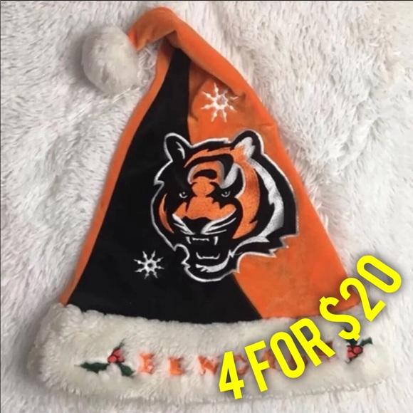 Accessories - Cincinnati Bengals Unisex Santa Holiday Winter Hat ab1a3c447476